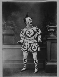 445px-actor_in_clown_costume_-_weir_collection2